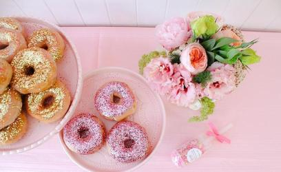 pink-the-town-doughnut-party-6.jpg